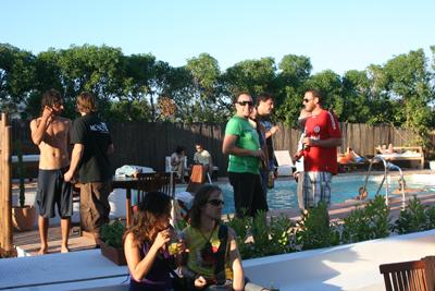 Pacha mama tarifa restaurante chill out music barbacoa piscina for Camping jardin de las dunas tarifa